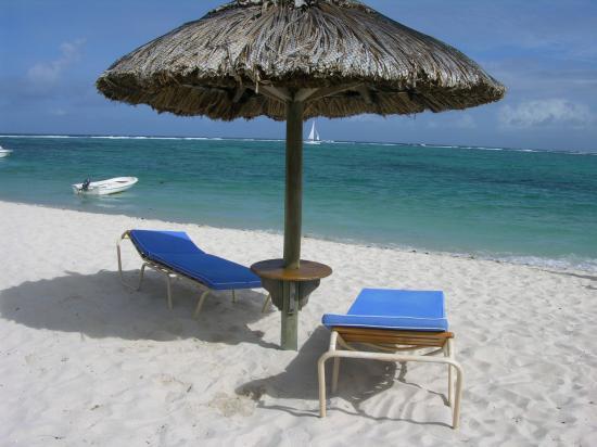 Quelques tables et chaises pour se détendre